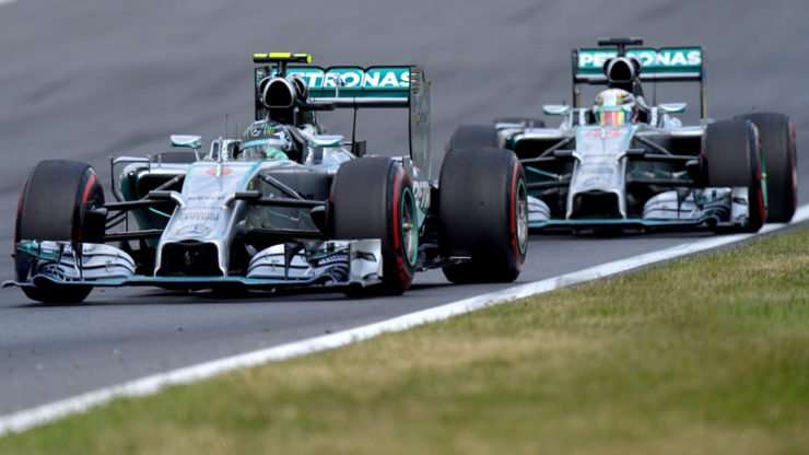 06072016-Car-Hamilton-Rosberg_02