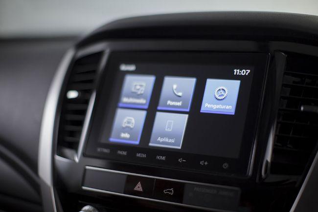 Mitsubishi New Pajero Sport headunit