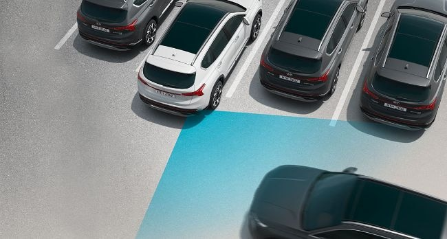 Fitur Rear Cross-Traffic Collision-Avoidance Assist (RCCA)