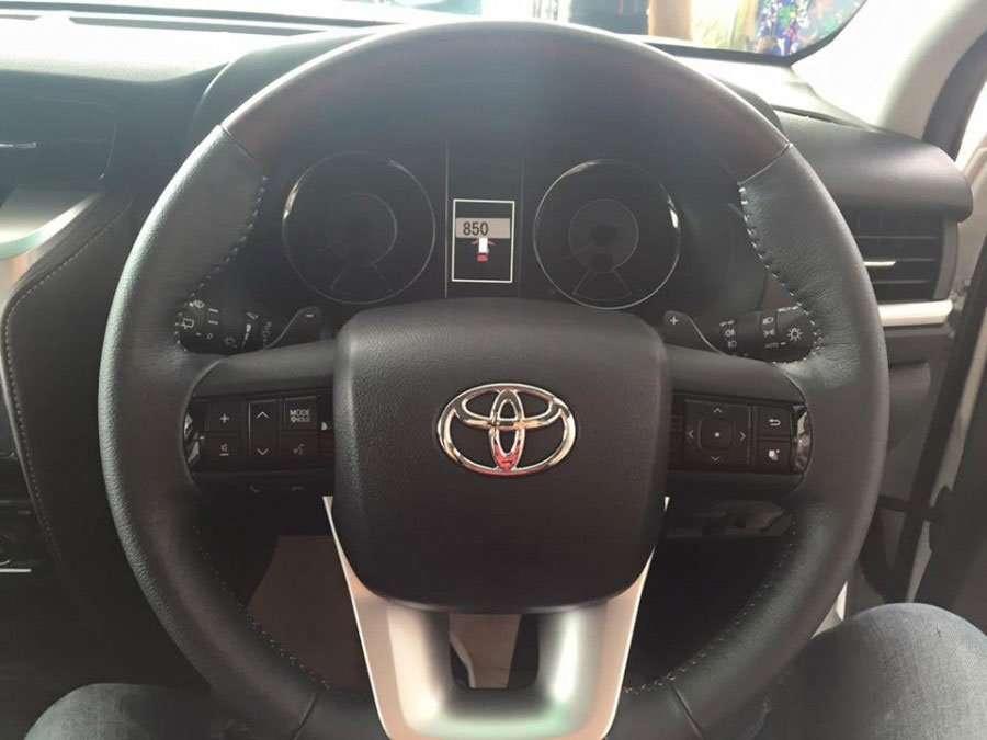 Toyota Fortuner 2016 Gunakan Paddle Shift dan LED