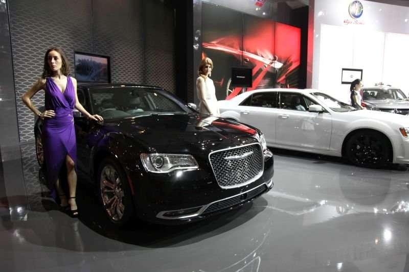 IIMS 2015: Si Mewah New Chrysler 300C