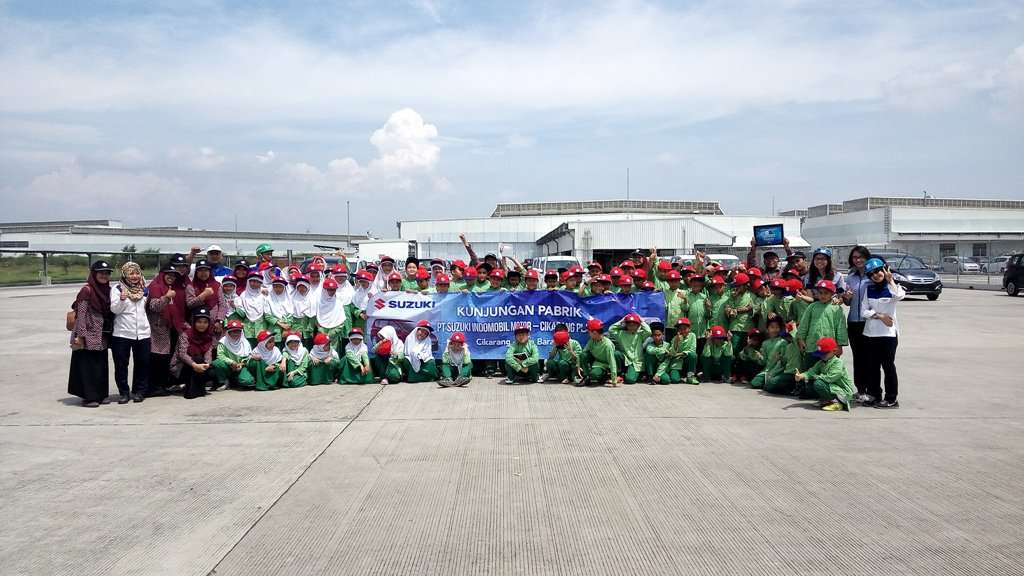 Suzuki Undang 10.000 Pelajar Kunjungi Pabrik