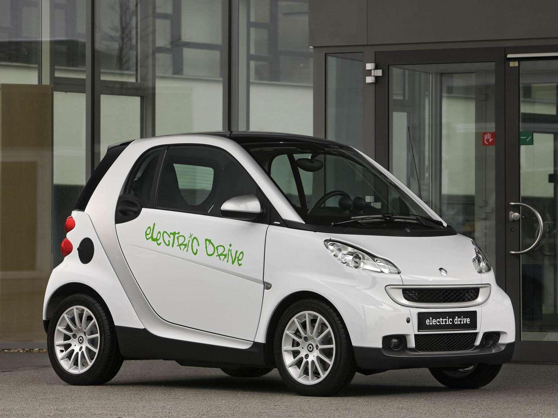 Smart Hadirkan Versi Electric ForTwo dan ForFour
