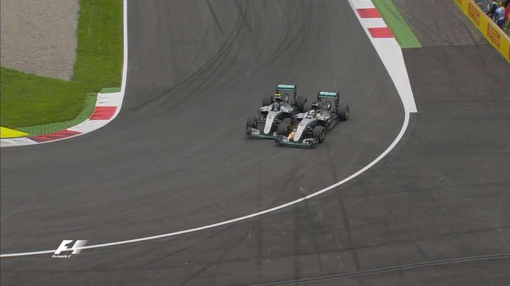 Insiden Hamilton dan Rosberg Bikin Frustrasi Mercedes