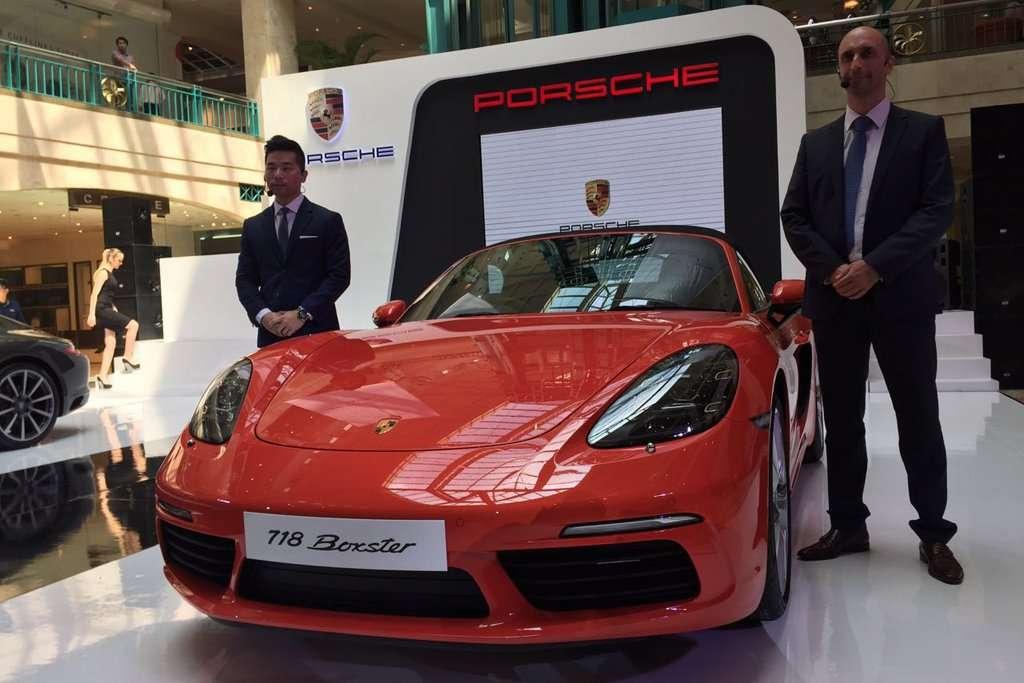 Porsche 911 Carrera dan 718 Boxster Resmi Dijual di Indonesia