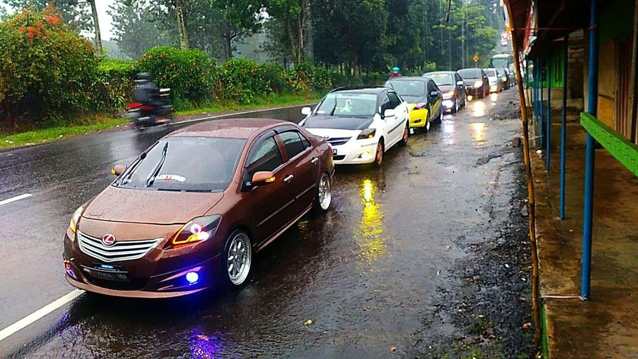 Komunitas Toyota Vios Gelar Kopdar Gabungan di Bandung