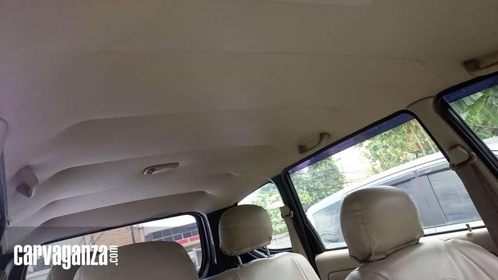 5 Tips Mudah Membersihkan Noda di Plafon Mobil