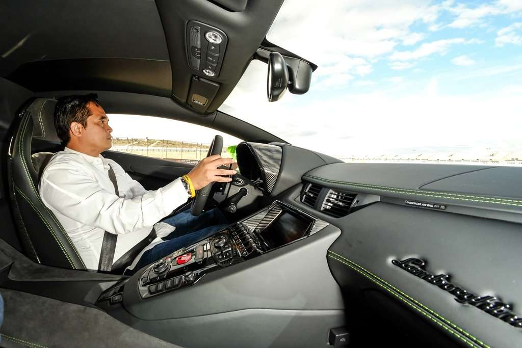 EKSKLUSIF TEST DRIVE: Menantang Lamborghini Aventador S (Bagian 2)