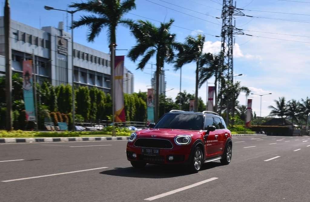 FIRST DRIVE: Merasakan Performa MINI Countryman Terbaru