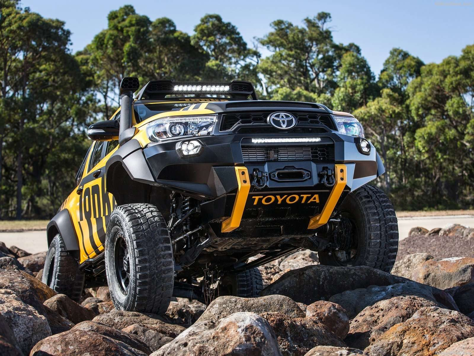 Toyota Hilux Di-Makeover Jadi Tonka Concept
