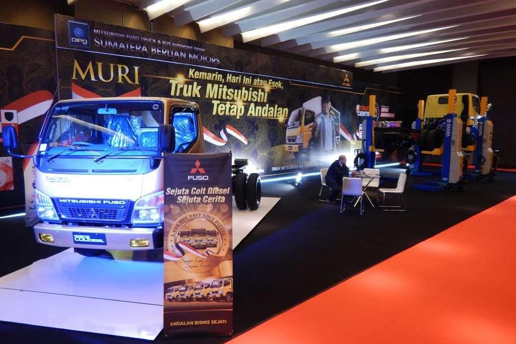 Mitsubishi Fuso Hadirkan 6 Colt Diesel di POM 2017