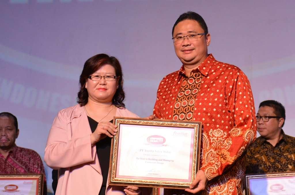 Toyota Astra Motor Kembali Diganjar Corporate Image Award