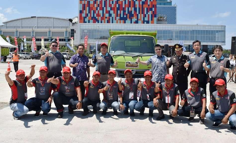 Hino Gelar Hino Dutro Safety Driving Competition di Makassar