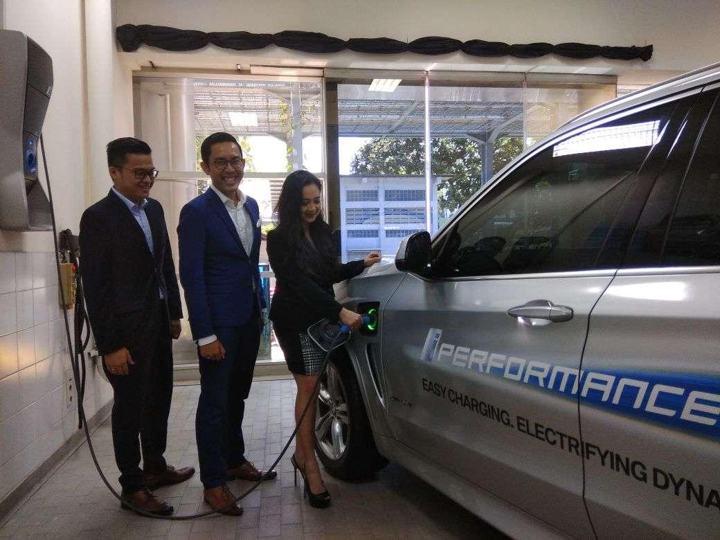 BMW Mempertegas Kehadiran iPerformance di Indonesia