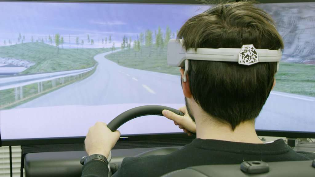 Nissan Kembangkan Teknologi Hubungkan Otak dengan Mobil