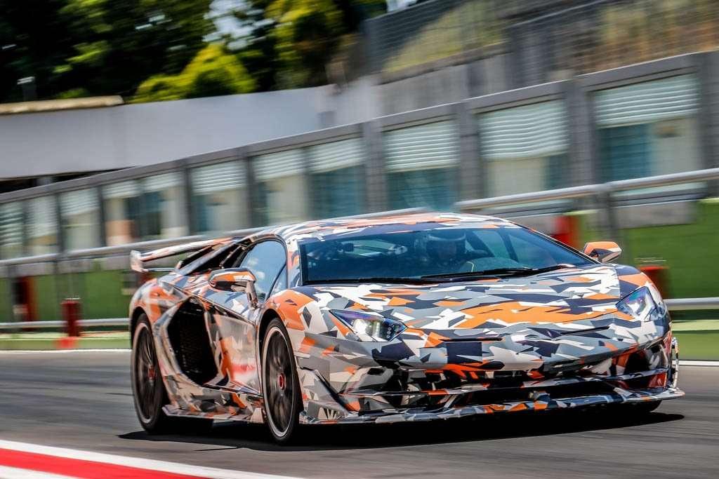 Rajai Rekor Nurburgring, Ini Supercar V12 Terakhir Lamborghini