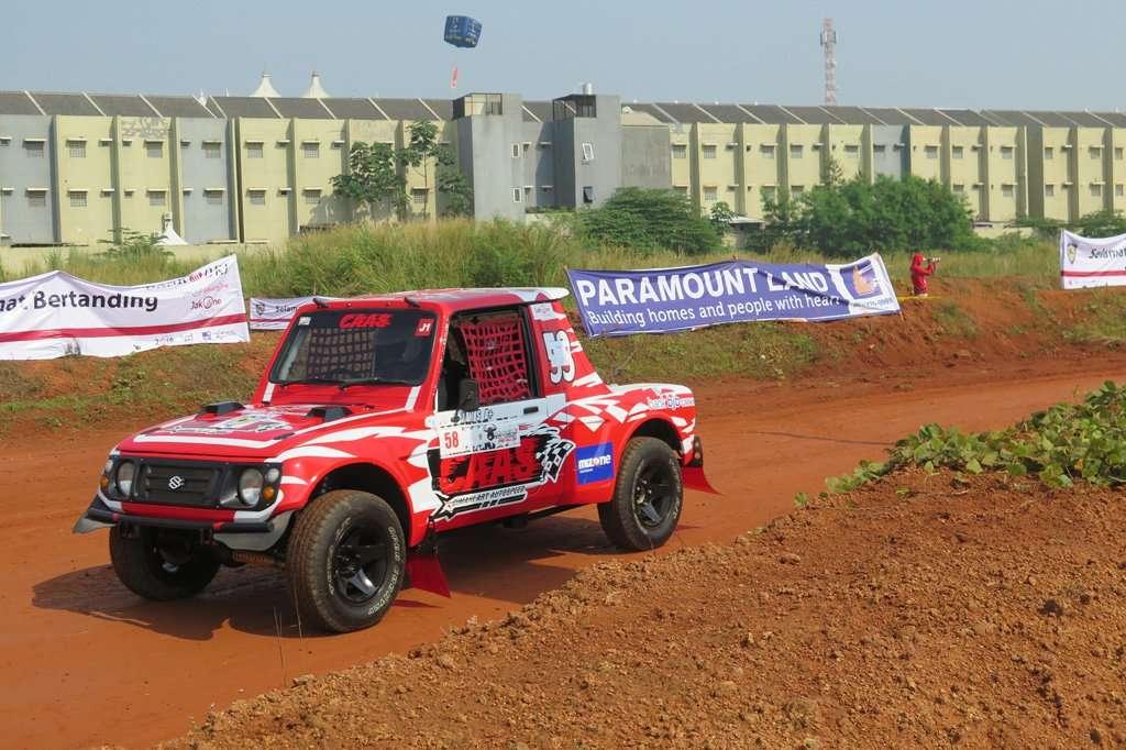 Rizal Sungkar Juara Merdeka Sprint Rally di Sirkuit Paramont Land