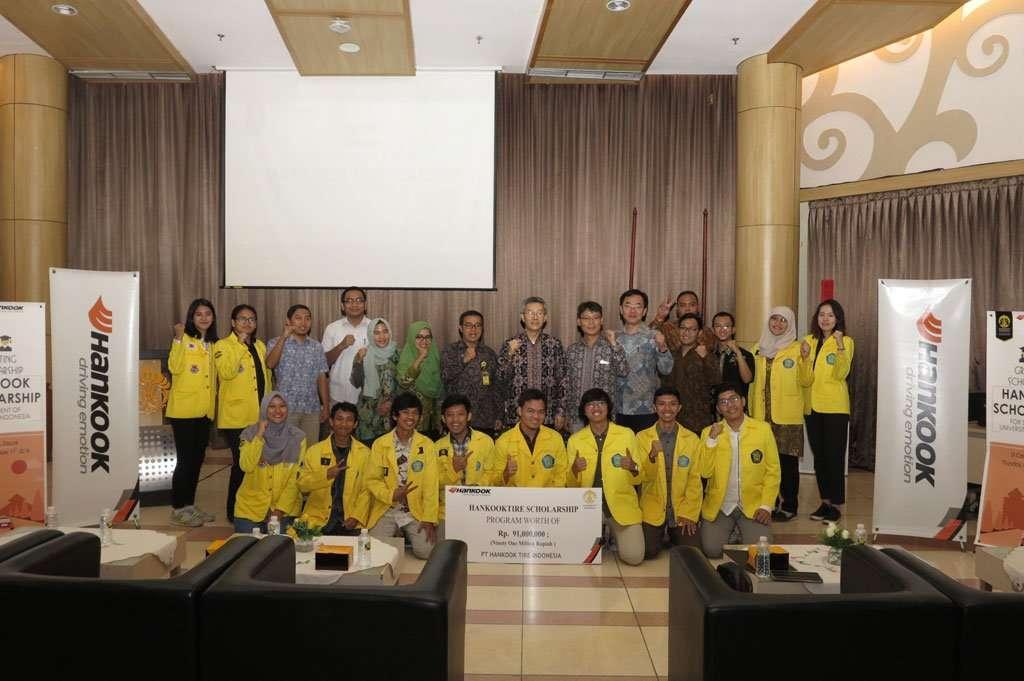 Dukung Dunia Pendidikan, Hankook Tire Indonesia Bagikan Beasiswa