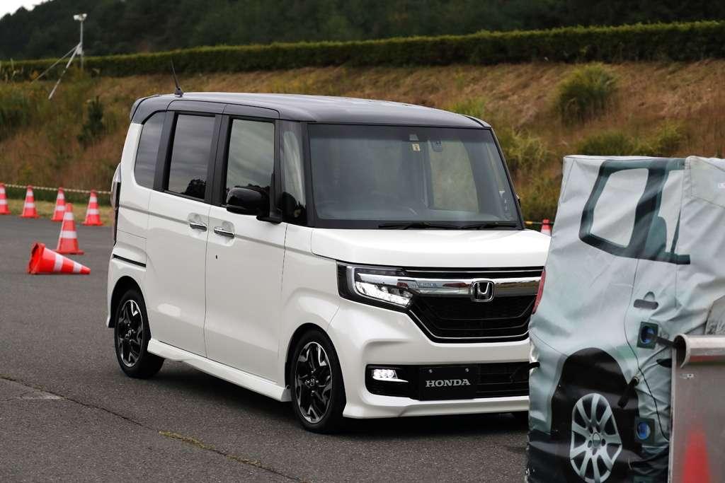 Fitur CMBS Honda SENSING, Menjaga Mobil dari Potensi Tabrakan