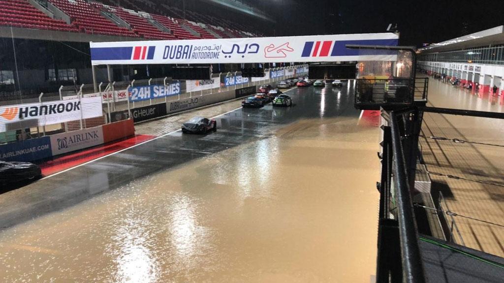 Balap 24 Jam di Dubai Dihentikan Gara-Gara Sirkuit Banjir