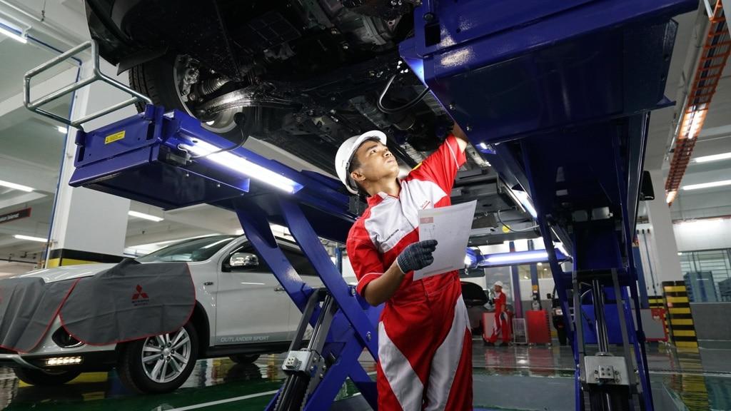 Mitsubishi Periksa dan Bersihkan Gratis Mobil Konsumen Terdampak Banjir