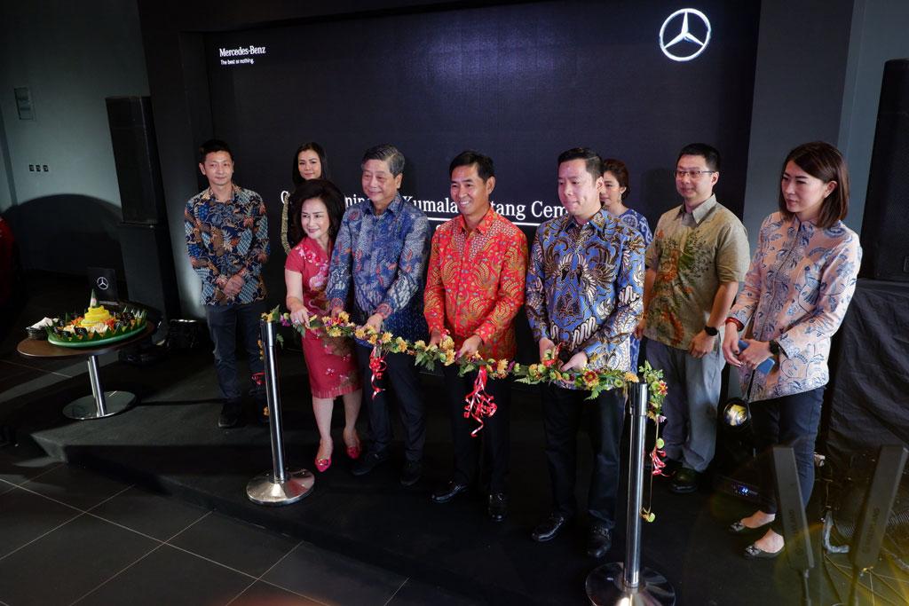Mercedes-Benz  Resmikan Dealer di Makassar, Andalkan A-Class