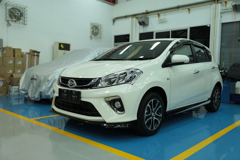REVIEW: New Daihatsu Sirion, Ngehits Buat Anak Muda