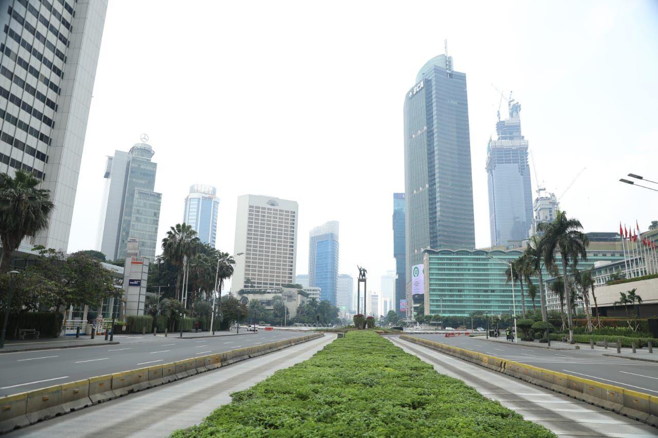 Begini Suasana Ruas Jalan Utama Jakarta Hari Pertama PSBB