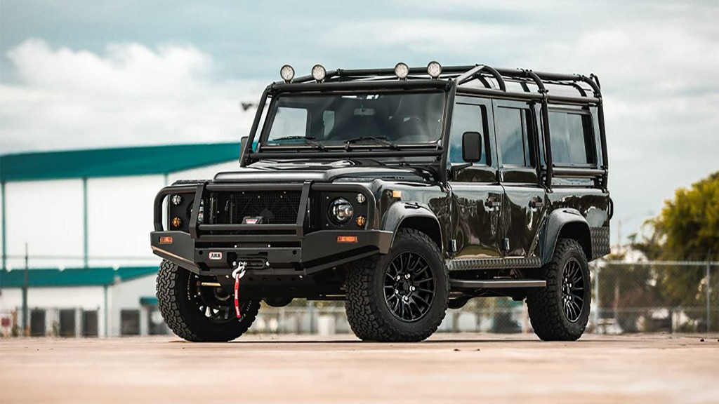 Land Rover Defender Disulap Jadi Offroader Listrik