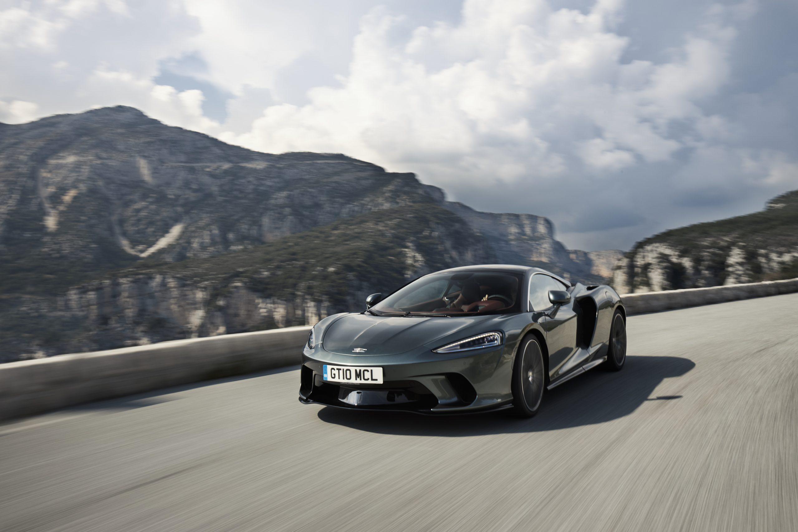 TEST DRIVE: McLaren GT, Tak Semewah Bentley Tapi Performanya Sadis