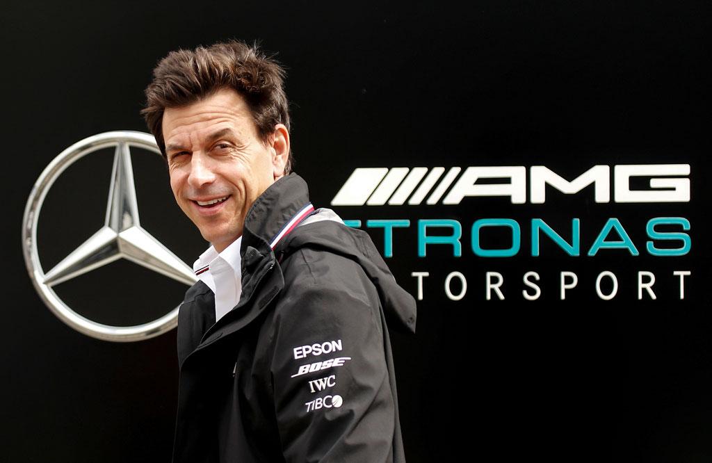 Bos Mercedes F1 Beli Saham Aston Martin, Siap Hengkang?