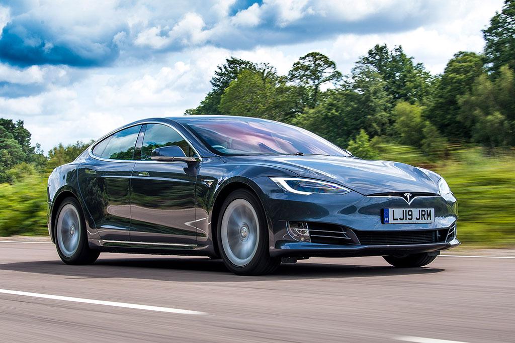 Jawab Tantangan Lucid Motors, Tesla Kenalkan Model S Plaid