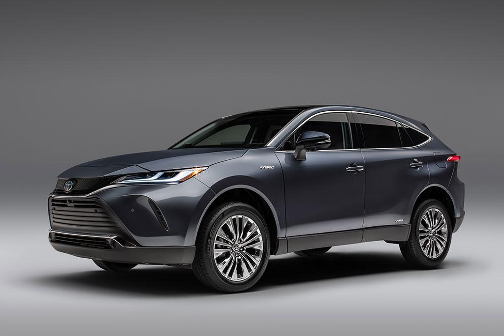 Toyota Resmi Perkenalkan Crossover Venza Hybrid
