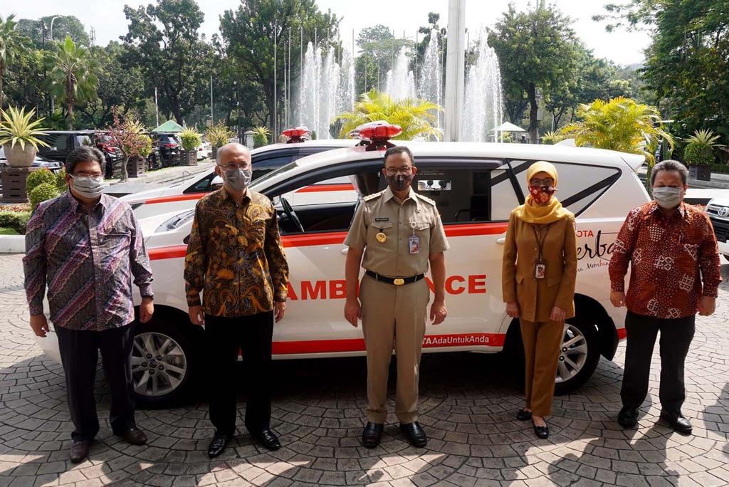 Toyota Indonesia Serahkan Bantuan Kesehatan kepada Gubernur DKI Jakarta