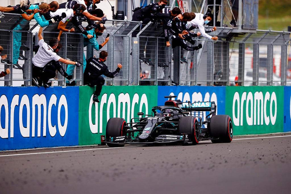 F1: Hamilton Dominasi Balap Basah-Kering GP Hongaria 2020