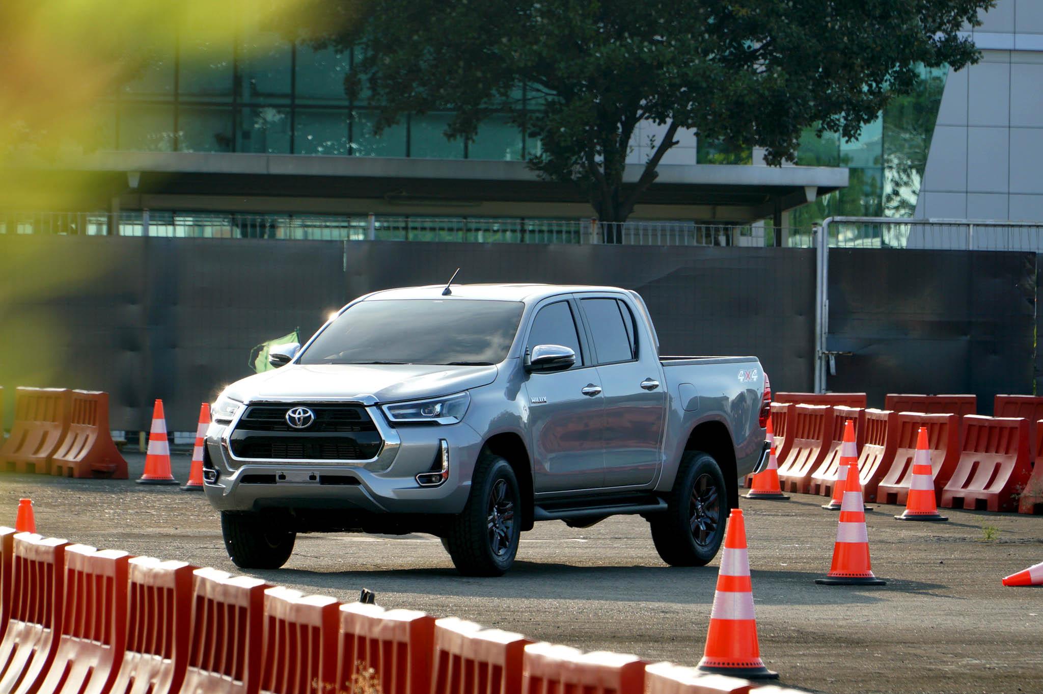 Dua Varian Toyota Hilux Paling Direkomendasi Kalau Mau Beli