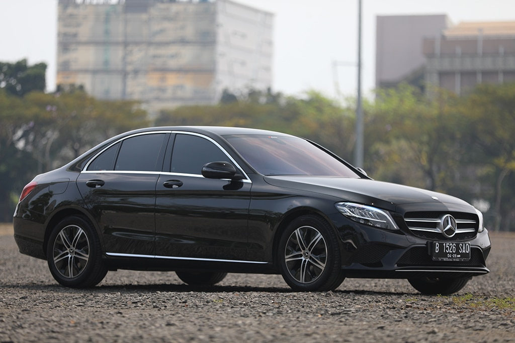 TEST DRIVE: Mercedes-Benz C180 (W205), Seberapa 'Mercedes'? (Bag. 1)