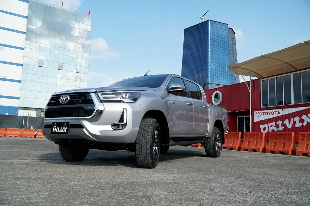 Pasang Target Optimistis, Toyota Yakin New Hilux Laris