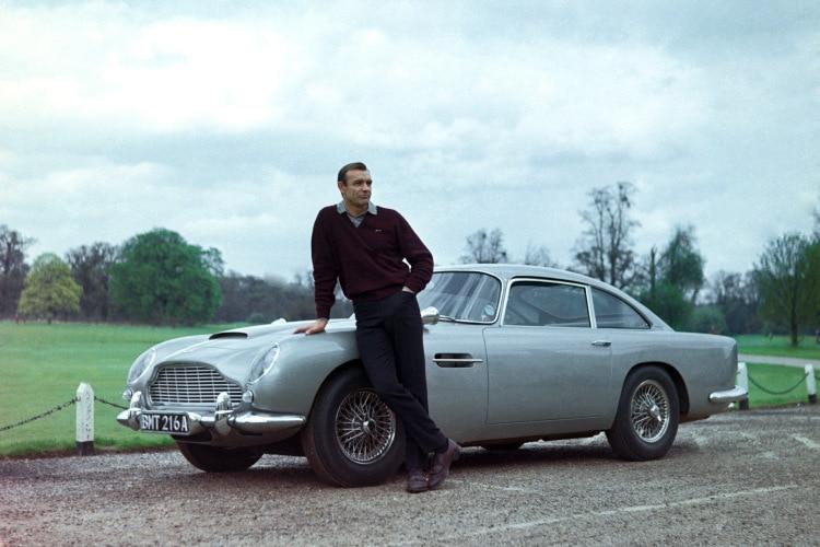 Mengenal Aston Martin DB5 1963 Yang Dipakai James Bond