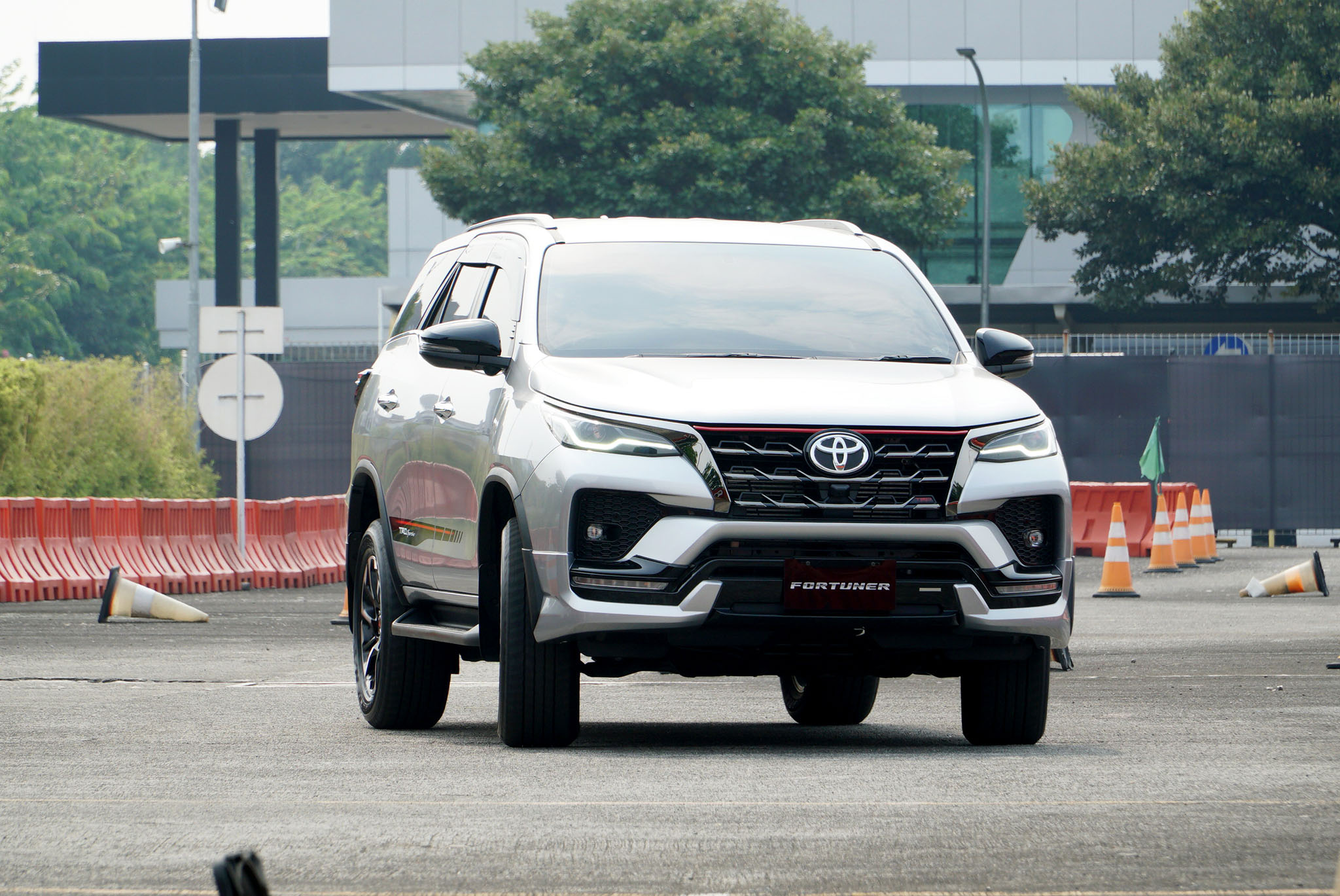 Ini Fitur-Fitur Baru Pada Toyota New Fortuner, Worth It Enggak?