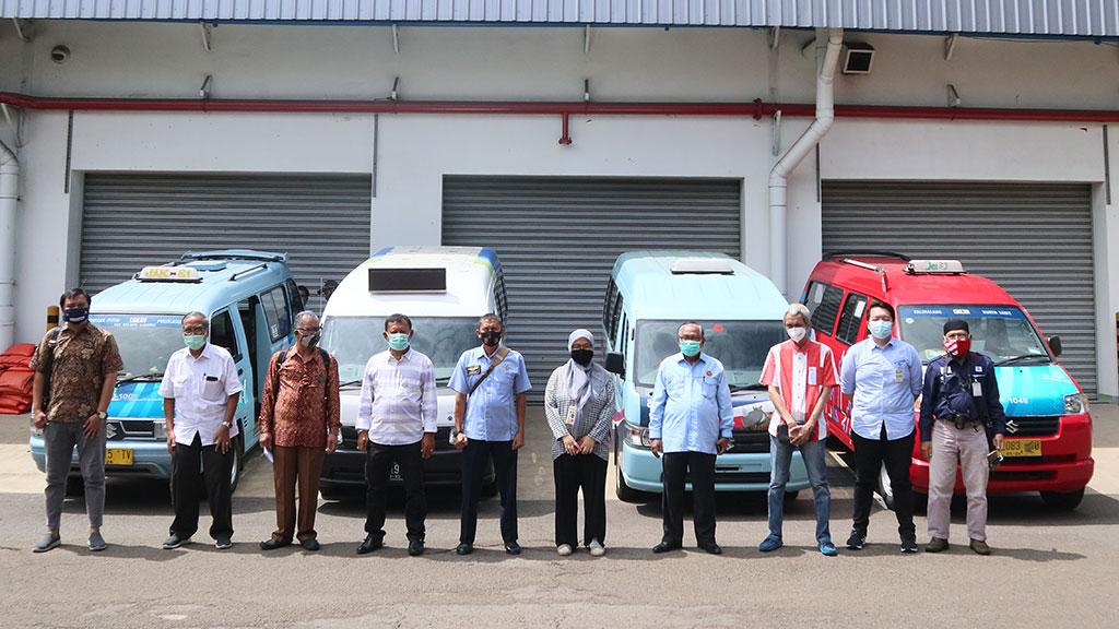 Cegah Penyebaran Covid-19, Suzuki Donasikan Masker dan Handsanitizer untuk Angkot