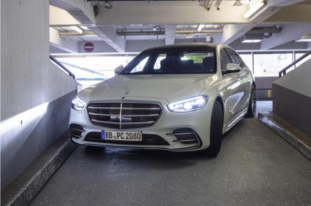 Mercedes-Benz S-Class Terbaru Bisa Cari Parkir Sendiri dan Jemput Pemiliknya di Bandara