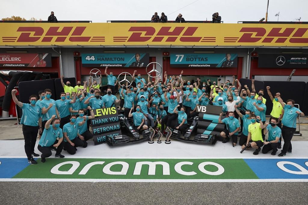 F1: Hamilton Pimpin Finish 1-2 di Imola, Mercedes Juara Dunia Konstruktor 7 Kali