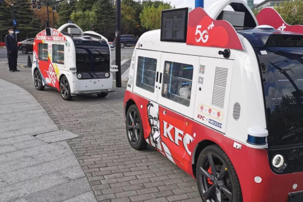 Mobil Tanpa Sopir Di Cina Keliling Jualan Ayam Goreng KFC
