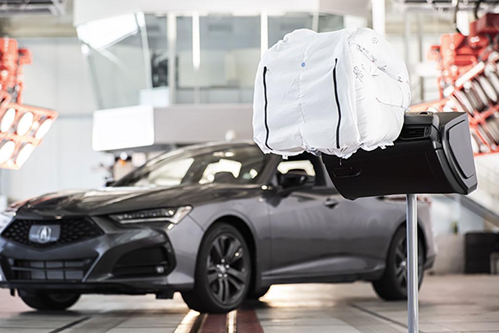 Teknologi Airbag Acura TLX 2021 Raih Penghargaan Best of What's New Award