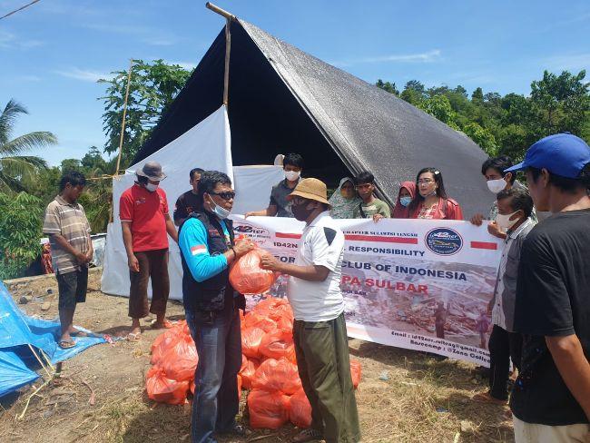 Komunitas Toyota Fortuner ID42NER Salurkan Bantuan ke Sulawesi Barat