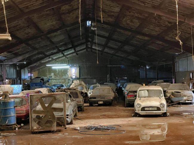 Ditemukan! Gudang Puluhan Mobil Mazda Bermesin Rotary