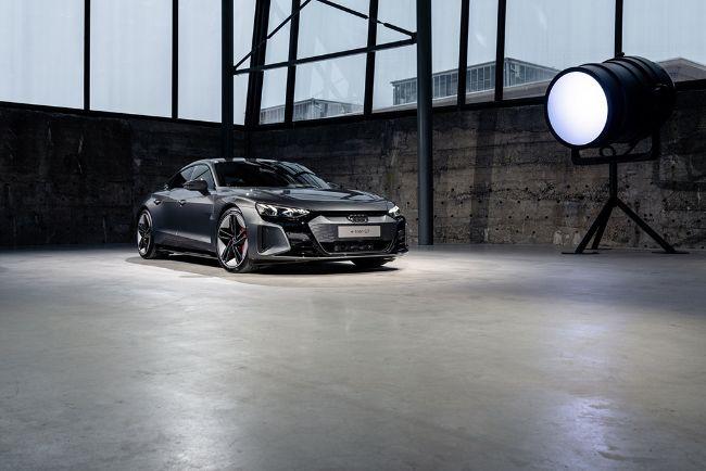 Audi-e-Tron-GT-2022-2