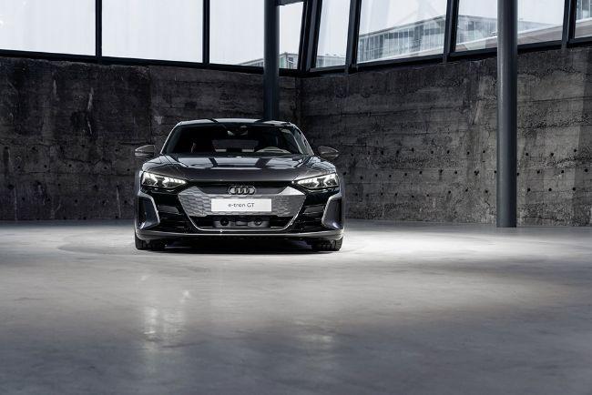 Audi-e-Tron-GT-2022-3