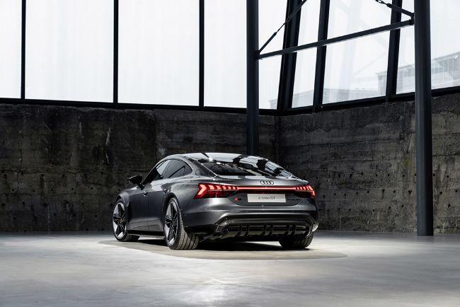 Audi-e-Tron-GT-2022-4